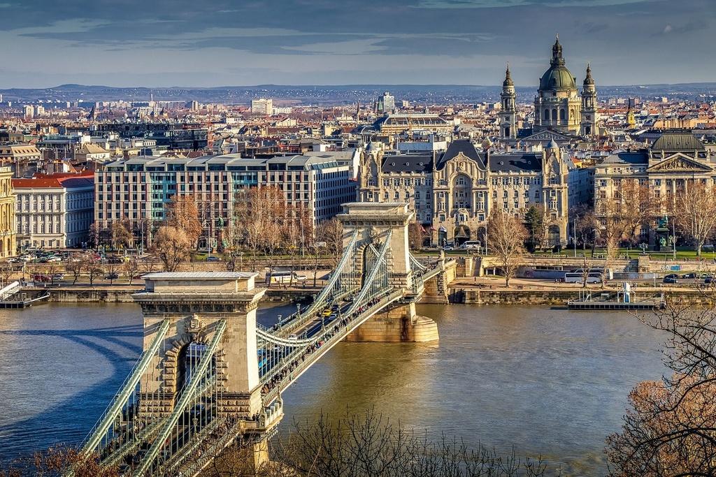 budapest-4739291_1920.jpg