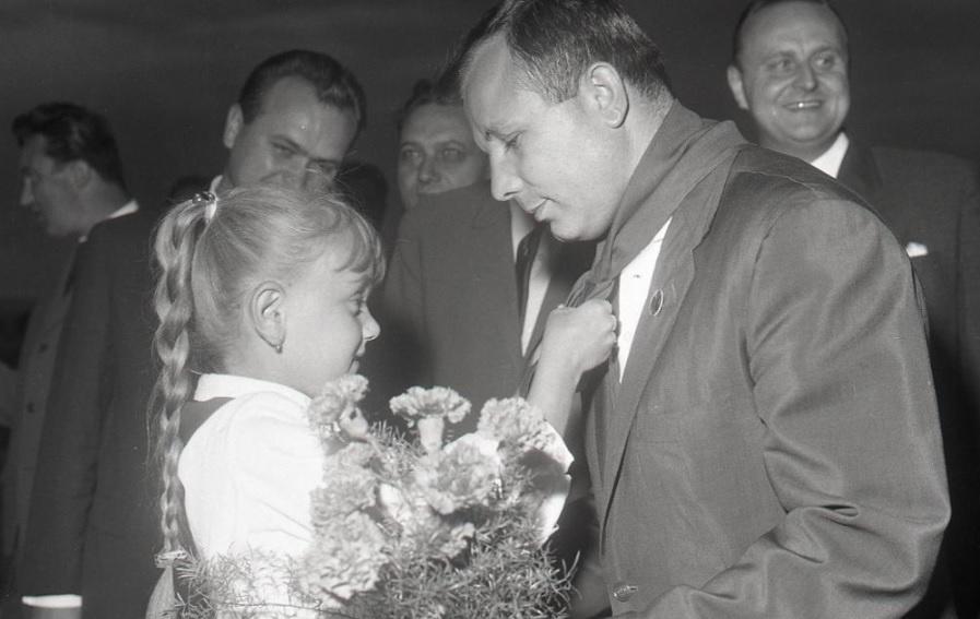 Gagarin v Kosiciach_1966.jpg