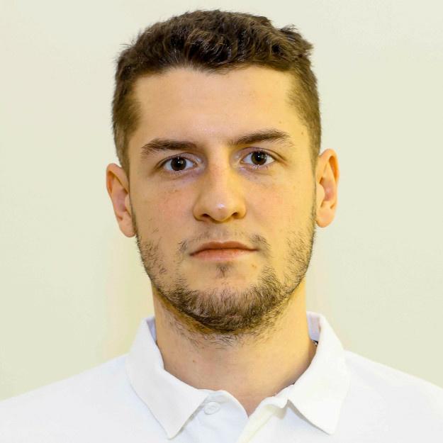 Adrián Holešinský