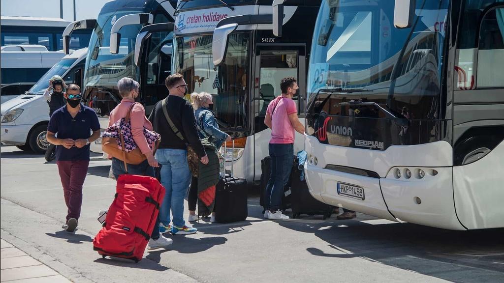 Grécko-dovolenka-turisti-TASR